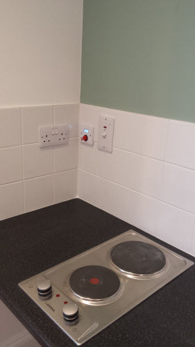 Student accommodation hob oven guard.jpg